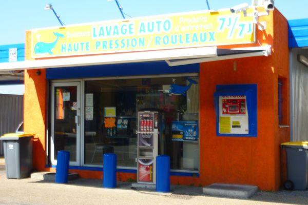 ../../photos/lavage-autos-nimes.JPG